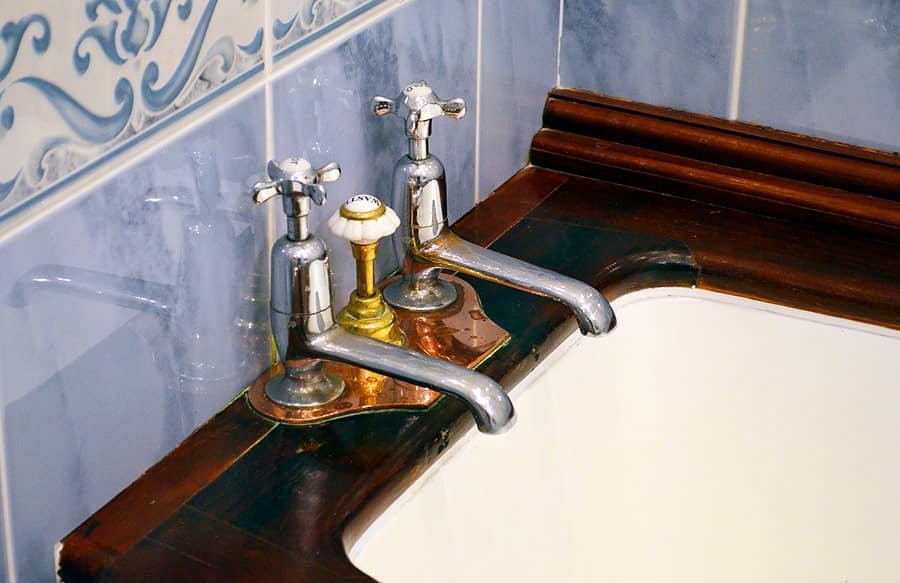 Victorian bathroom at Palé Hall