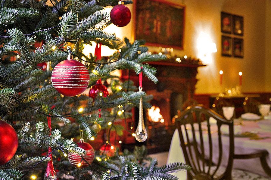 view larger image christmas at pal hall - A Country Christmas