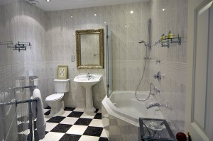 Pale Hall Hotel Penrhyn bathroom