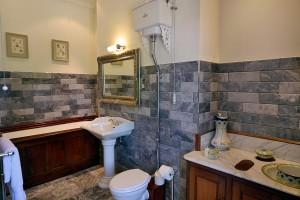 Queen Victoria bathroom Pale Hall