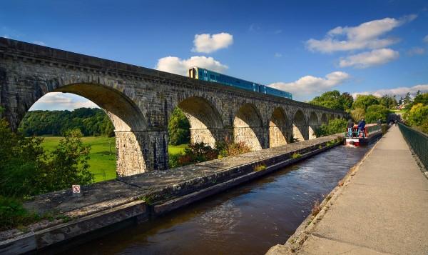 Chirk viaduct aqueduct