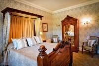 Palé Hall Queen Victoria bedroom