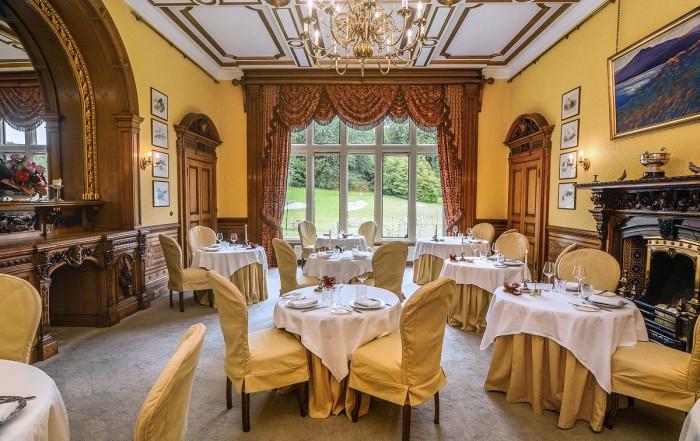 Palé Hall Robertson dining room