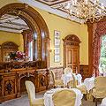 Palé Hall dining room