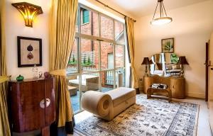 Palé Hall hotel garden suite Harper's Barn