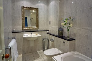 Pale Hall Hotel Conwy bathroom