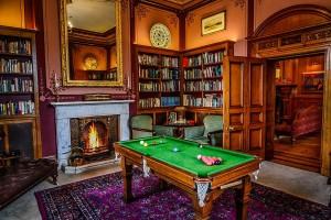 Palé Hall library